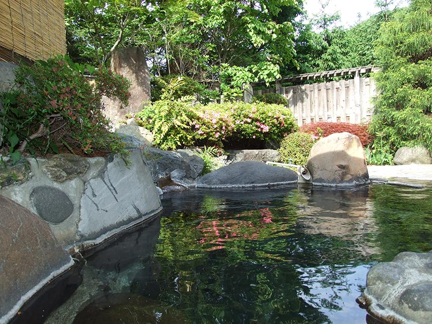 ホテル鶯露天風呂